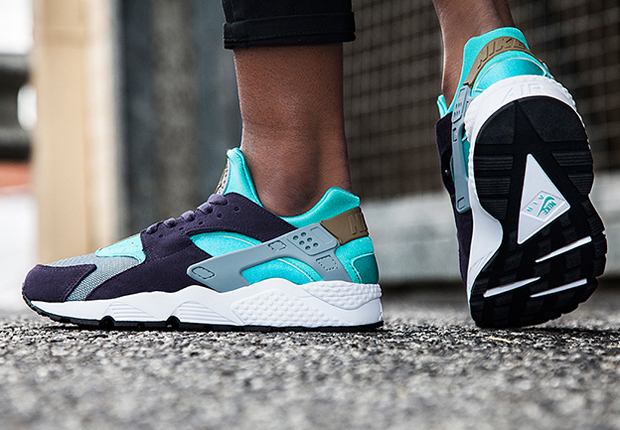 nike air huarache purple green