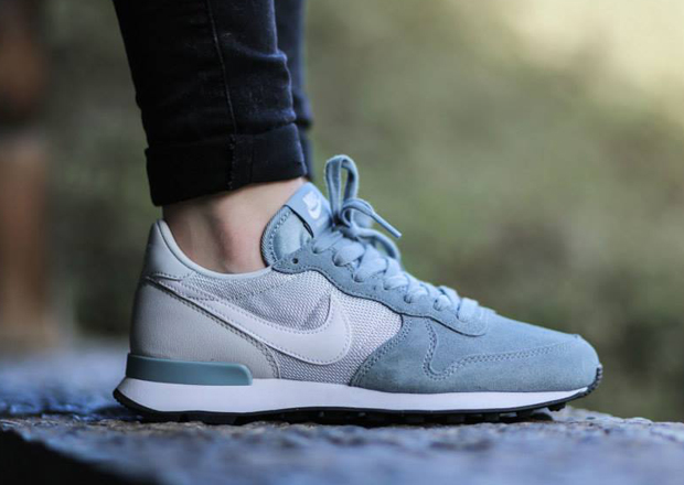 nike womens internationalist quotdove greyquot sneakernewscom
