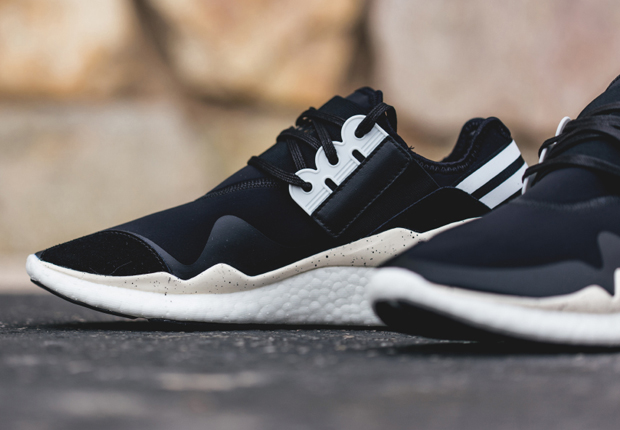 9d52ee5179453 adidas Y-3 Retro Boost - Black - White - SneakerNews.com