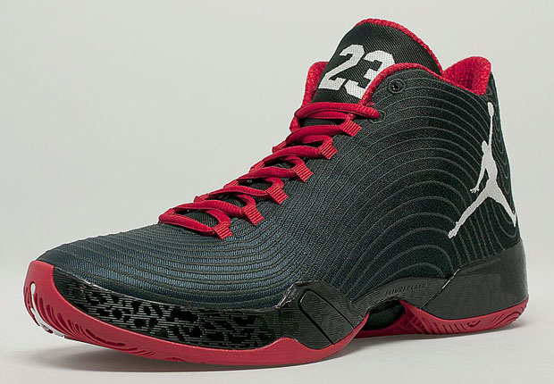 """Jordan 29 """"Gym Red"""" - Available in Europe 