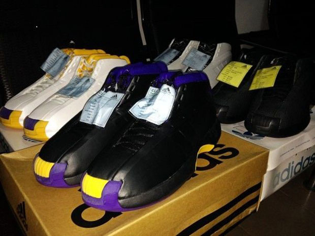 974cb1785889 A Set of PEs of Kobe Bryant s First adidas Signature Shoe ...