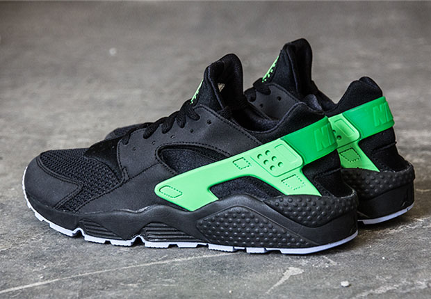 1c14e1dcd193 Two Upcoming Nike Air Huarache Colorways for Spring 2015 ...