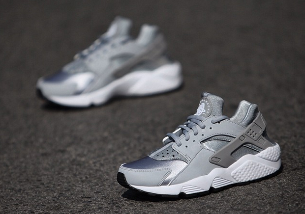 nike huarache silver grey