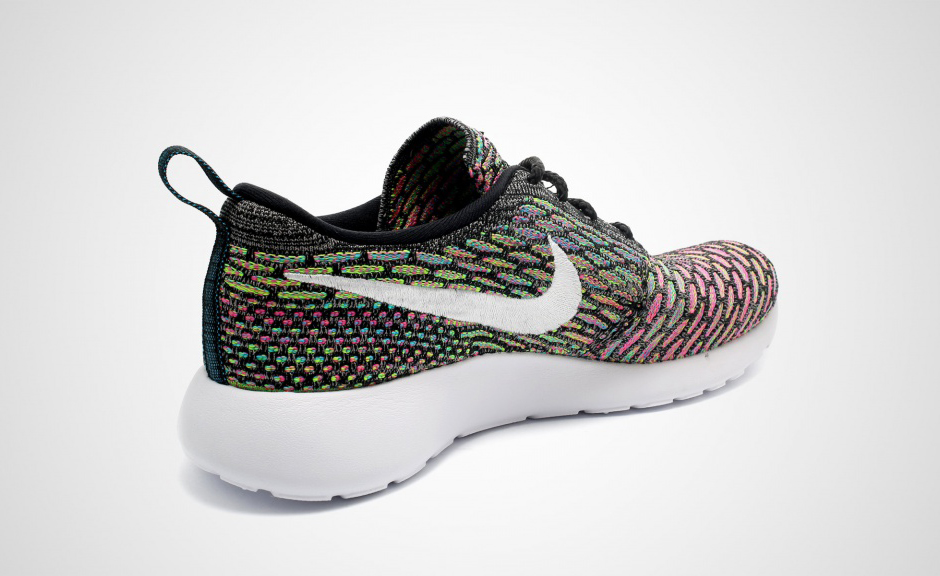 Nike Womens Roshe Run Flyknit