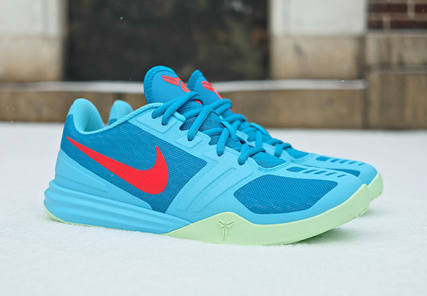 """official photos cd391 98e53 Nike Kobe Mentality """"Clearwater"""""""