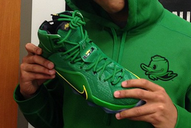 """best sneakers 32674 37c5d Another Look at the Nike LeBron 12 """"Oregon Ducks"""" PE"""