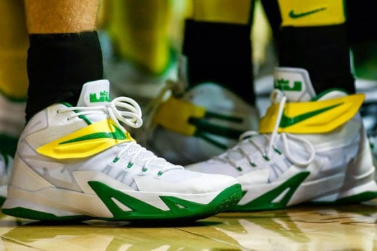A Look at 3 Different Nike Zoom LeBron Soldier 8 PEs for the Oregon Ducks