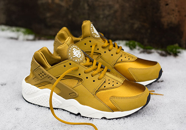 gold nike huarache for sale