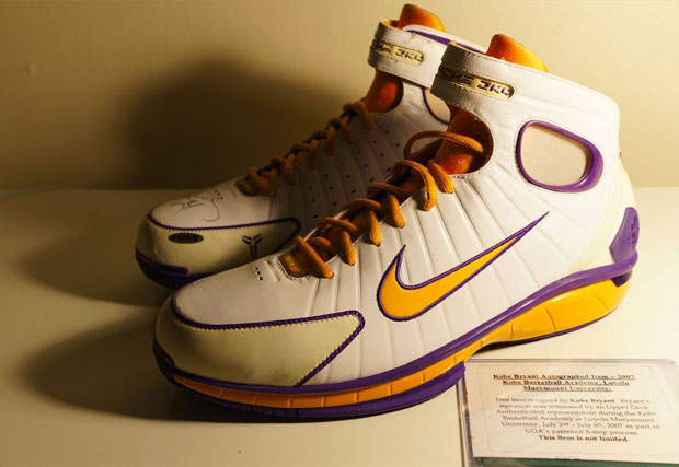 0319b602fa66 ... the heel in honor of Kobe and Vanessa Bryant s Family Foundation  launched in 2007. There s even Kobe s signature logo on the medial side s  forefoot.