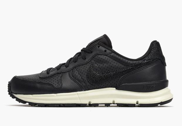 "new styles a8ea4 c3d4e Nike Lunar Internationalist ""Stingray"""
