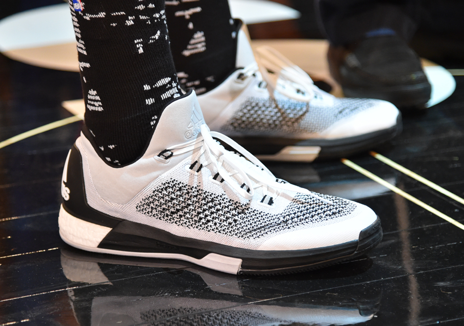more photos b8d1e 25673 Andrew Wiggins Debuts adidas Crazy Light Boost 2015