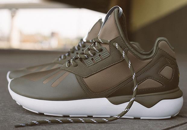 Cheap Adidas Men's Tubular Invader Strap Sneaker Maroon