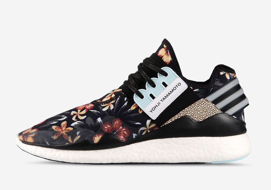 adidas y 3 retro boost floral available. Black Bedroom Furniture Sets. Home Design Ideas