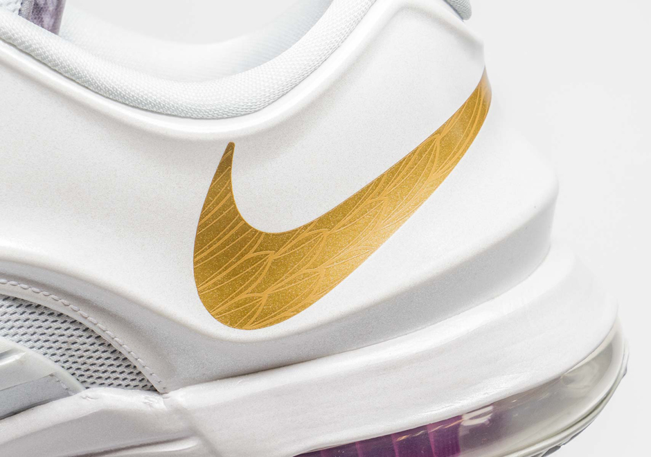 "Nike Basketball Honors the Kevin Durant & Kay Yow Cancer Fund With the KD 7 ""Aunt Pearl"""