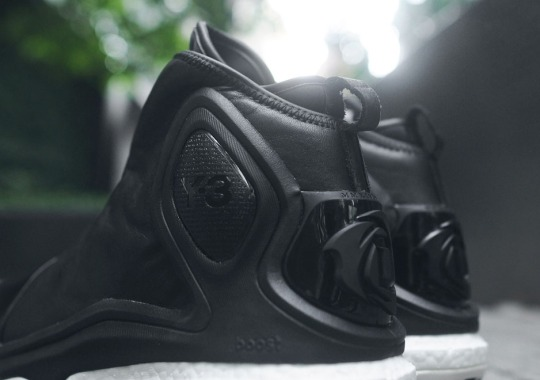 A Detailed Look at the Y-3 D Rose 5 Boost