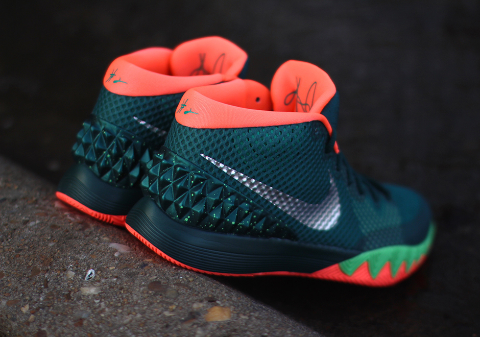 "online retailer 8bbf5 52f1c Nike Kyrie 1 ""Flytrap"" – Arriving at Retailers"