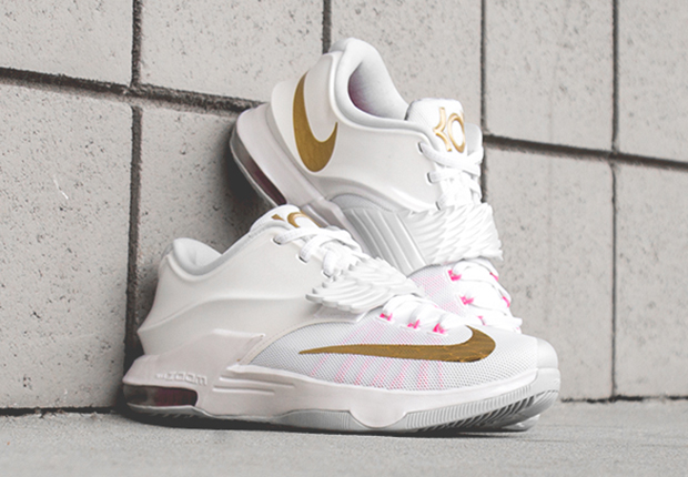 "Nike KD 7 ""Aunt Pearl"" – Release Reminder"