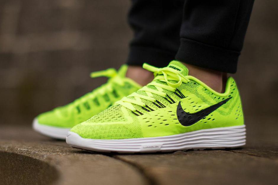 Nike LunarTempo. Color: Volt/Black-White-Black Style Code: 705461-700