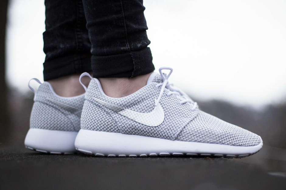 half off 1b59c a847e Nike Womens Roshe Run