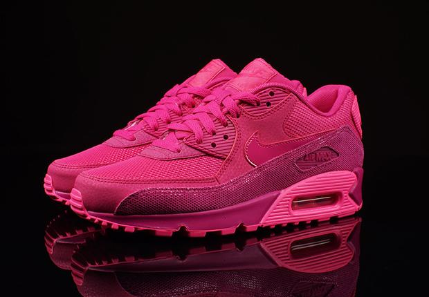 2c7420572303 Nike Womens Air Max 90 Premium