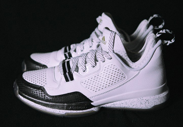 sneakers-releasing-this-weekend-32