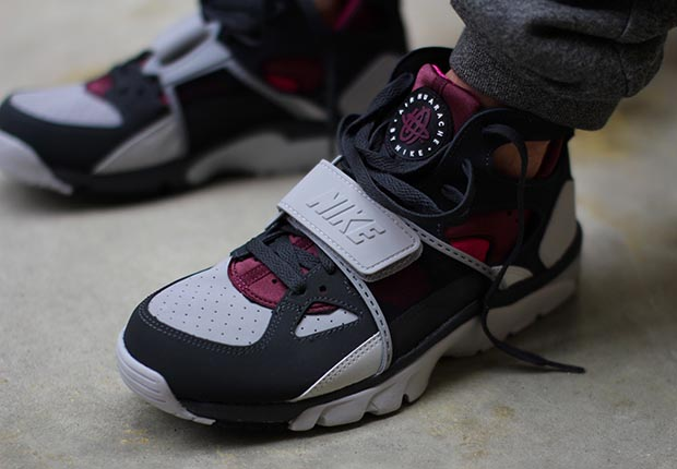 brand new d46ba bf14f Nike Air Trainer Huarache