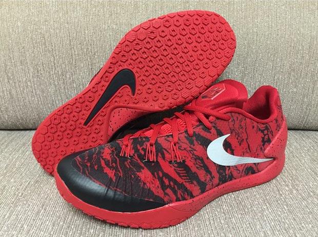 James Harden Gets a Nike Hyperchase