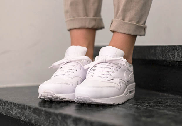 purchase cheap 6e6fa dac6c Can You Remember The Last Time Nike Released An All-White Air Max 1 ...