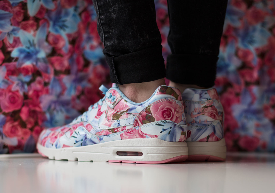 competitive price 4f595 3629d Floral Print Air Max 1s Are The Perfect Spring Sneaker for the Ladies -  SneakerNews.com