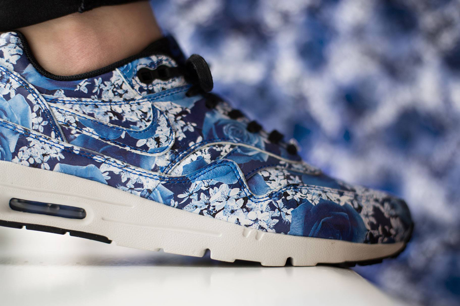 """newest 9b06f 79bd9 Nike WMNS Air Max 1 Ultra """"New York"""" Color  Black Black-Summit White-Black  Style Code  747105-001. Release Date  March 7th, 2015 (April 11th for U.S.)"""