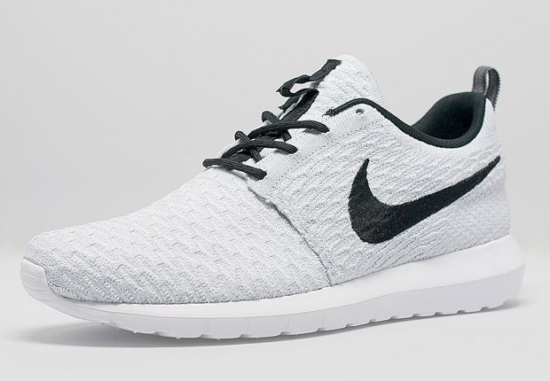 meilleur service 28608 3ef4c Nike Flyknit Roshe Run - White - Black - SneakerNews.com
