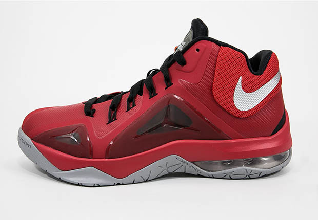 Colorway of the Nike LeBron Sneaker