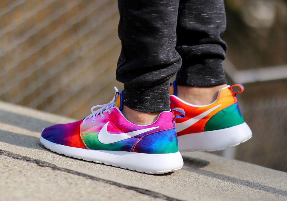 Nike Roshe Runs in Crazy Tie-Dye Colors - SneakerNews.com 0e85c9e8c