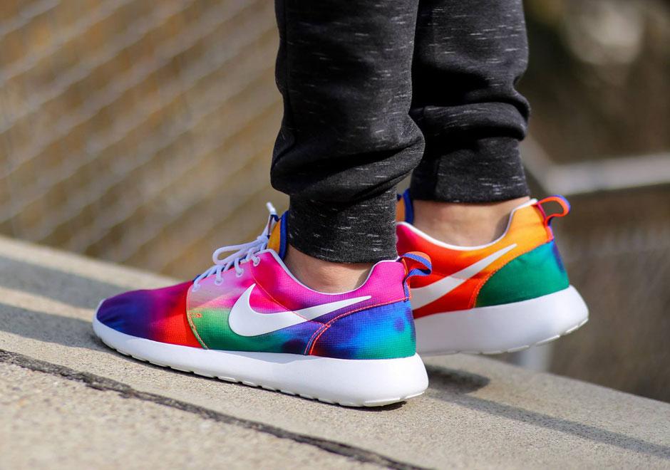 d4341027a1cd Nike Roshe Runs in Crazy Tie-Dye Colors - SneakerNews.com