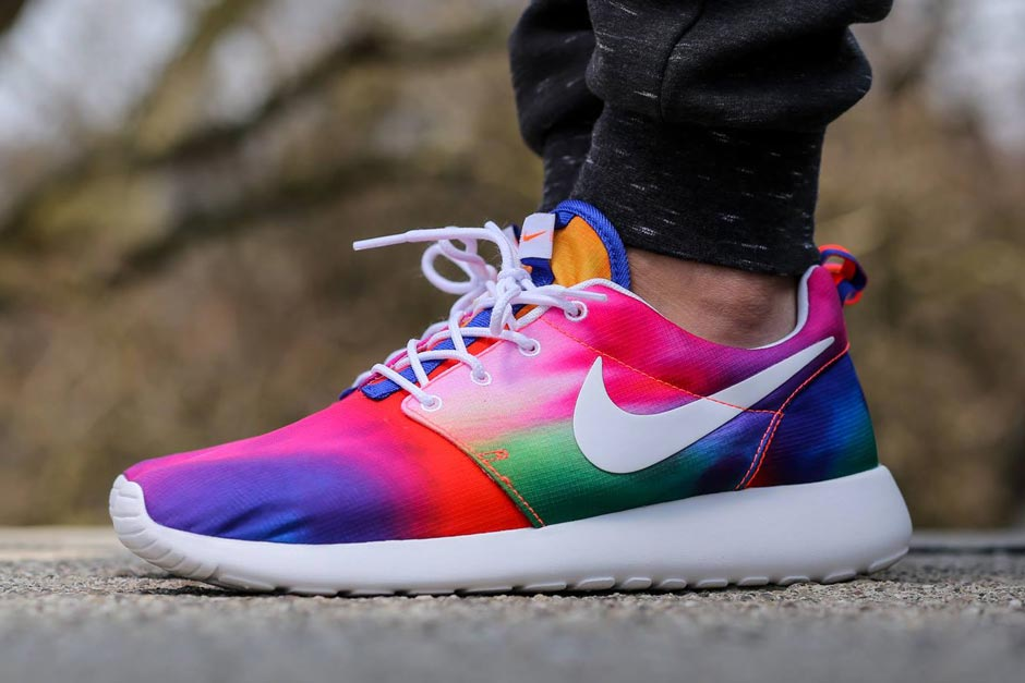 info for 2841f 3ebf7 Nike Roshe Runs in Crazy Tie-Dye Colors - SneakerNews.com