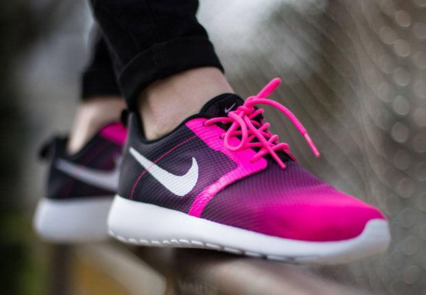 online store 4c0cd 08c7b An Even Lighter Version of the Nike Roshe Run in