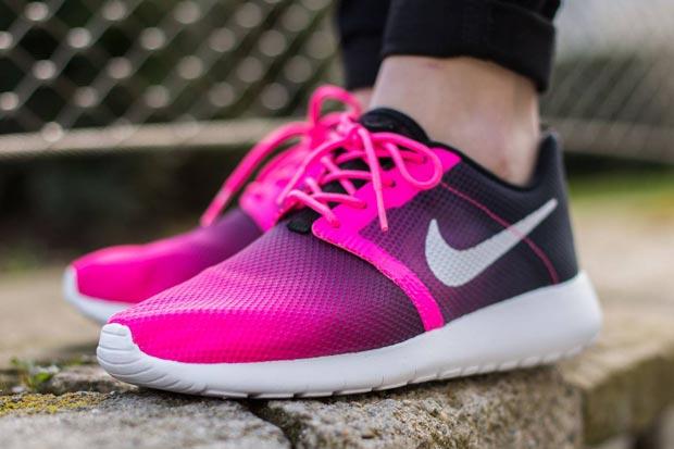 Nike Roshe Run Pink Speckled  59d7fb1d0