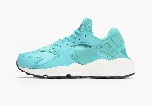 2015 03 24 Nike Womens Air Huarache Light Retro Womens Nike Huarache