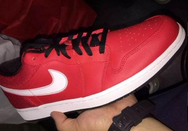 air-jordan-1-low-university-red-jumpman-branding-returns-01