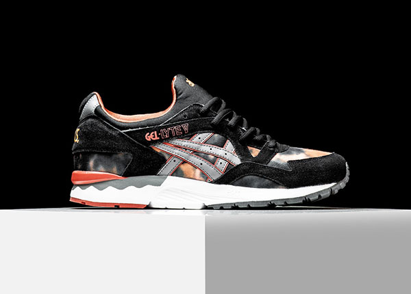 """The Asics Gel Lyte V """"Tie-Dye"""" pack is arriving at select Asics Tiger  retailers, like Rise, right now. Will you be choosing night or day?"""