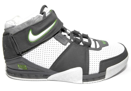 Nike LeBron Retros Might Come Soon And They're Bringing The Heat