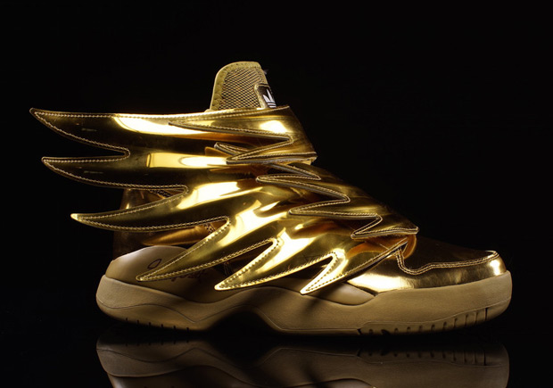 jeremy-scott-adidas-originals-wings-3-0-gold-available-02