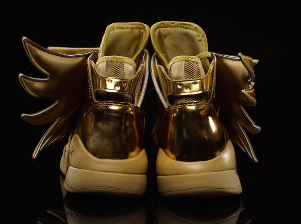 jeremy-scott-adidas-originals-wings-3-0-gold-available-03