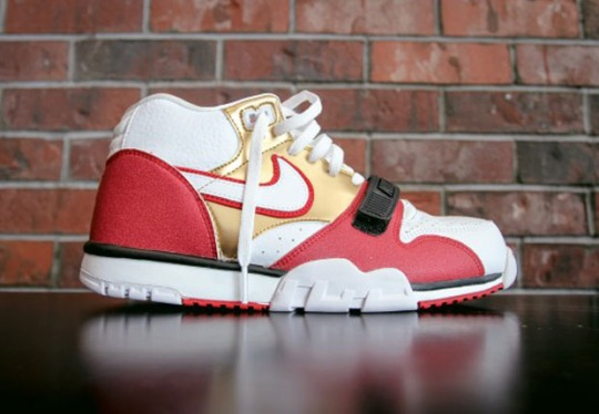 Jerry Rice Honored In Upcoming Nike Air Trainer 1 Release