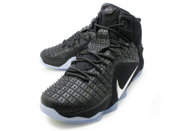 lebron-12-ext-rubber-city-for-playoffs-01