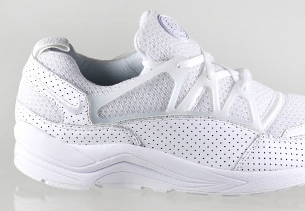 nike air huarache light white