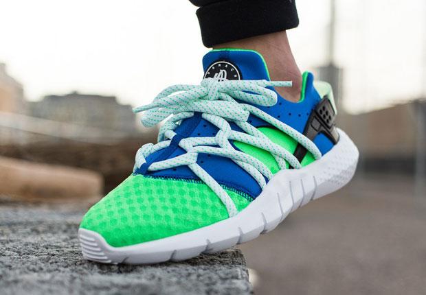 Nike Air Huarache Scream Green On Feet