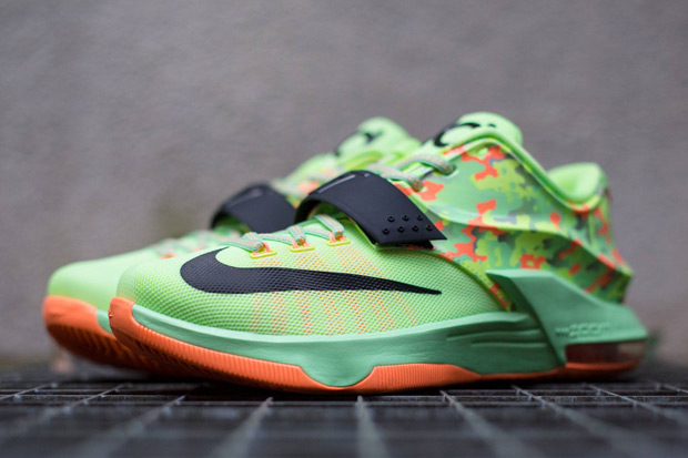 nike-basketball-2015-easter-collection-release-reminder-06