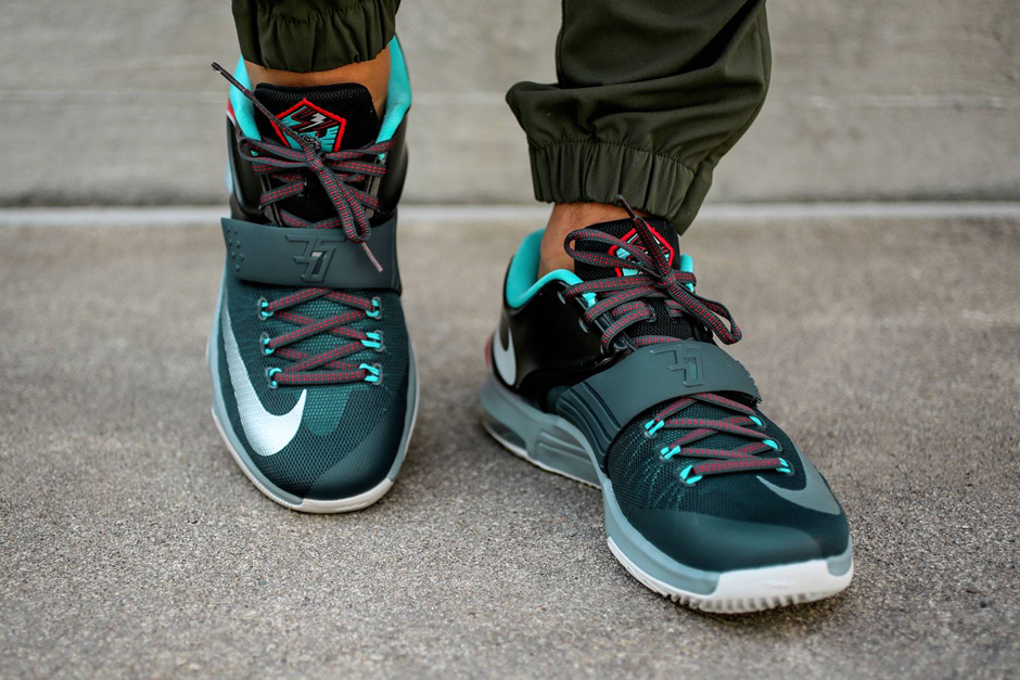 "online store c71e1 e4aa0 Nike Kobe 10 ""Flight"" Color  Teal Black-Bright Citrus Style Code   705317-308. Release Date  05 01 15. Price   180 Buy on eBay"