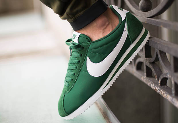 0760a6c39f6 Nike Cortez Nylon - SneakerNews.com